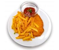 Putenschnitzel mit Pommes oder Kartoffelsalat